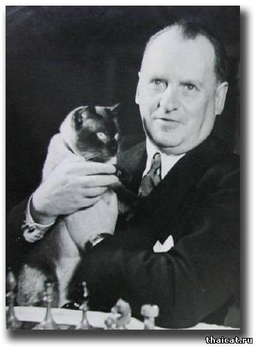 Шахматист Алехин и его кот Чесс